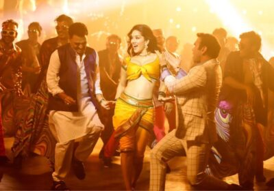 """Sunny Leone's cameo in the song """"Shantabai"""" of the Marathi film Aamdar Nivas starring Rohit Choudhary as a builder"""